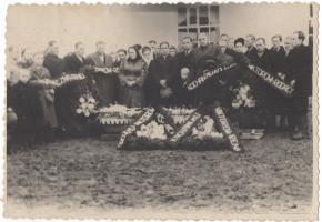 Fotografia z pogrzebu Wiktora Soldingera w zbiorach Agaty Sagan