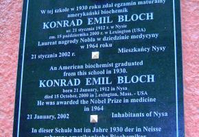A plaque commemorating Konrad Emil Bloch