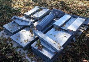 02.11.2015 – Act of vandalism at the Bielsko-Biała cemetery