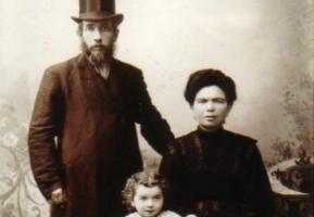 Eli Rabinowitz talks about his family from Orla