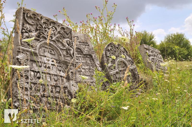 Satanów, cmentarz żydowski. Macewy