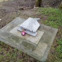 Żnin. Akt wandalizmu na cmentarzu żydowskim